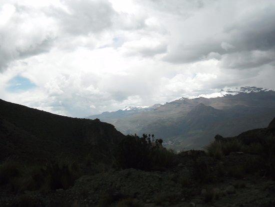 Pisaq, เปรู: vista do horizonte Pisac