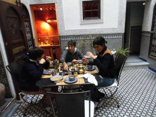 Riad Boujloud: le petit déjeuner avec crêpes. Quel plaisir