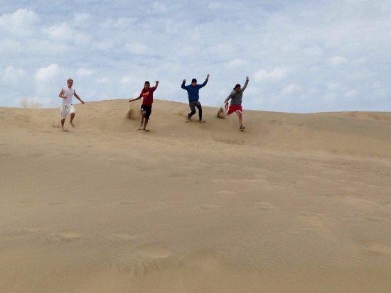 Morro Bay, CA: Running on the dunes