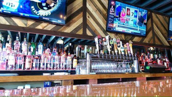 West Allis, Висконсин: 10 beer tappers
