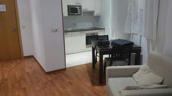 Apartamentos ATH Domocenter : TA_IMG_20160926_203850_large.jpg