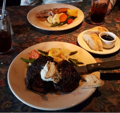 Seaview, WA: The Rib Eye and Salmon.