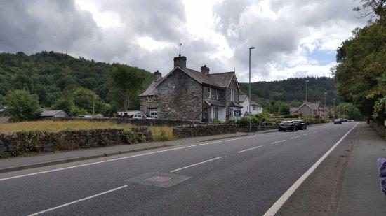 Bod Gwynedd Bed & Breakfast: Bod Gwynedd when approaching from Betws-y-Coed.