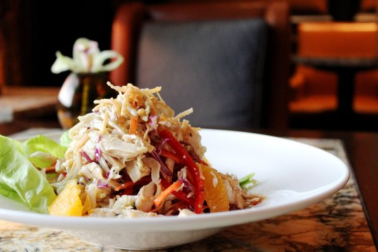 Tysons Corner, VA: Asian Chicken Salad with Napa Cabbage, Cashews and Sesame Vinaigrette
