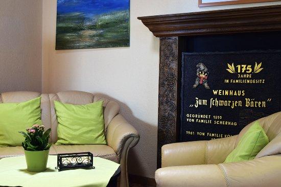 Hotel & Weinhaus Zum Schwarzen Bären: Lobby
