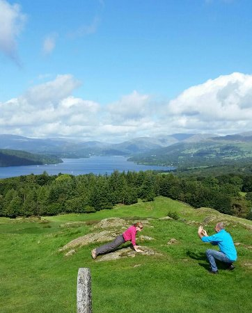 Bowness-on-Windermere, UK: Press-up challenge