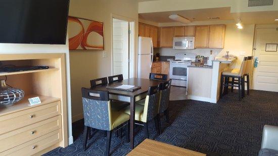 WorldMark Anaheim: Living room with sofabed & Kitchen