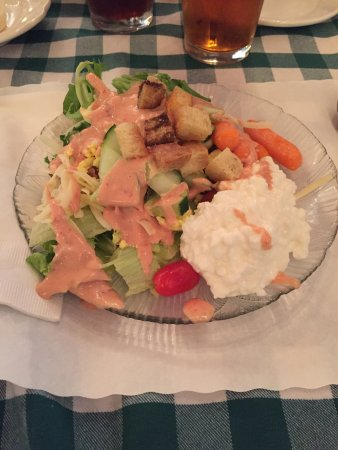 Bradford, NH: dinner included a salad bar