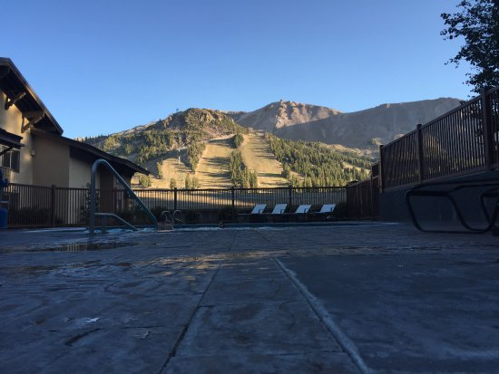 a review of the costs of a trip at mammoth mountain How to: plan a dream trip to mammoth mountain on a budget  while ticket  prices vary throughout the season, mammoth is on the very.