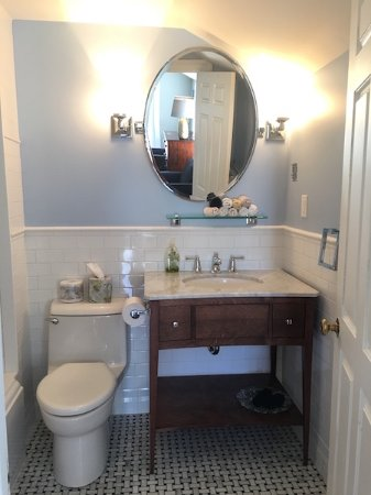 Bay Fortune, Canadá: Our turn of the century inspired bathroom