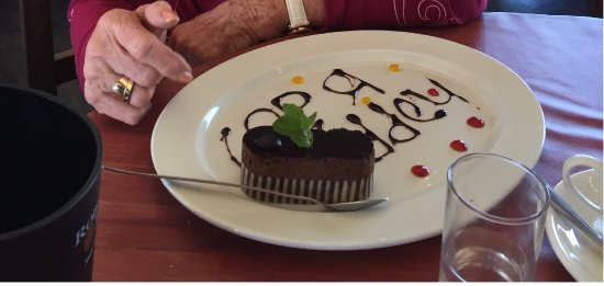 Pringle Bay, África do Sul: Our friend received a (free) surprise birthday dessert!