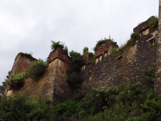 Drukgyel Dzong : It requires a small hike