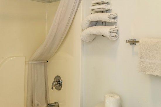 Albany, OR: Bathroom