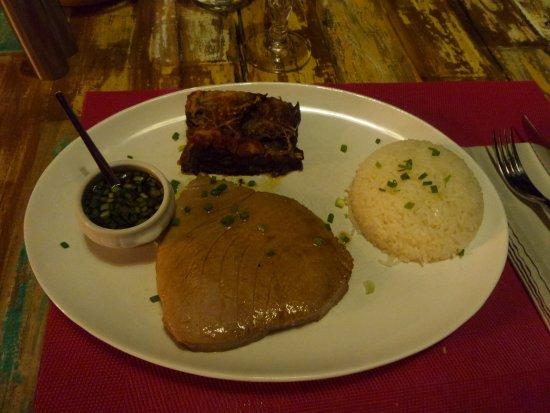 Dzaoudzi, Mayotte: mi cuit de thon