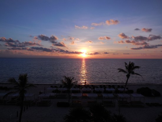 Hideaway At Royalton Riviera Cancun: Sunrise