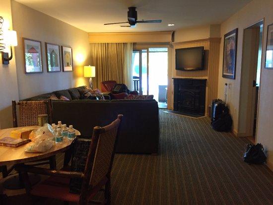 Bolton Landing, NY: Lower Level Lodge Living Room