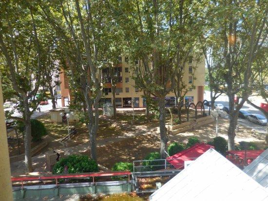 Ibis lyon gare la part dieu updated 2017 hotel reviews for Pool show lyon france
