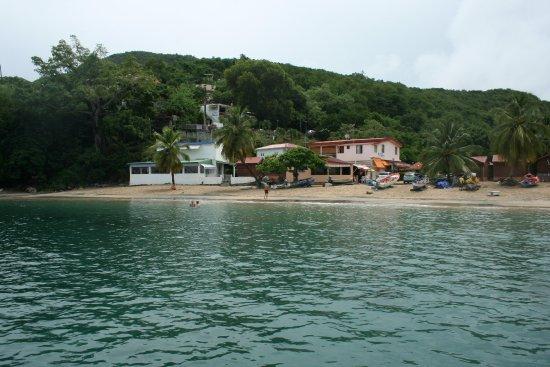 Les Anses d'Arlet, Martinica: Route commune pour accéder à l'anse noire ! Pb pour se garer si arrivée tardive