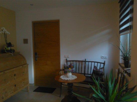 San Valentino alla Muta, Włochy: Ingresso all'appartamento dei proprietari che vivono nel condominio