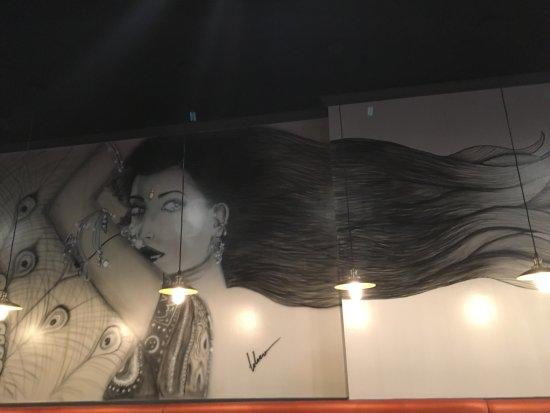 Tewksbury, Μασαχουσέτη: Beautiful mural on the wall!