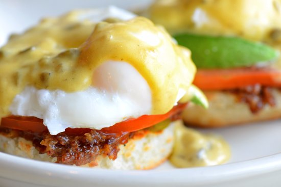 Downers Grove, IL: The Grove Benny
