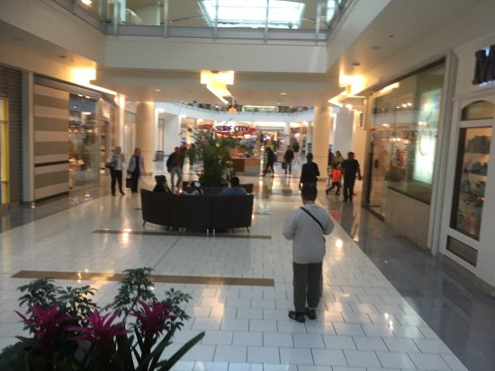 San Bruno, Kalifornien: great shopping here