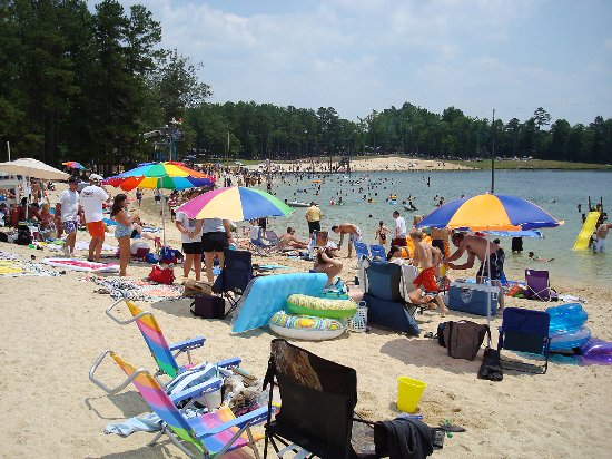 Benson, NC: Tucker Lake Beach
