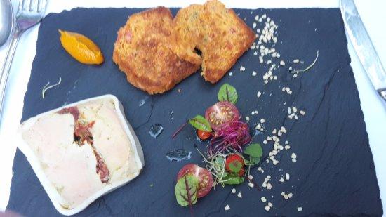 Tournefeuille, Prancis: Foie gras de canard aux Epices orientales, cake aux Tomates confites