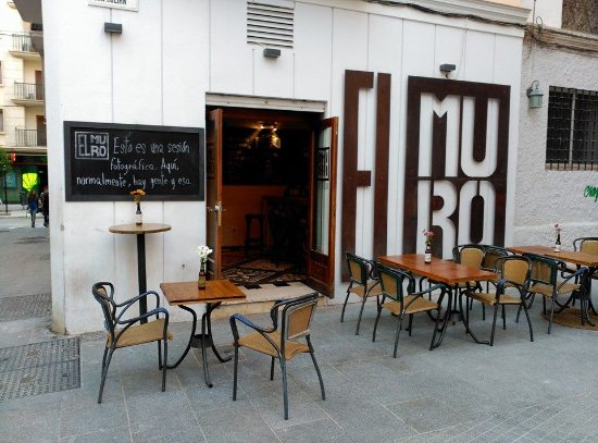 ‪El Muro Indie Rock Bar‬