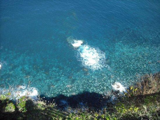 Porto Moniz Natural Swimming Pools: A cor do Mar!!!