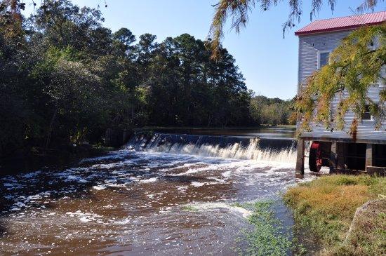 Selma, NC: Atkinson Milling Company