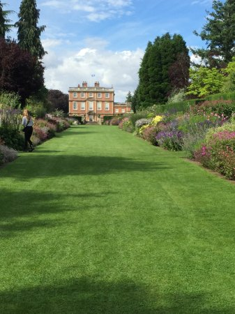 Ripon, UK: Beautiful manicured gardens