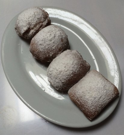 Brenda's French Soul Food : Just go for the beignets!