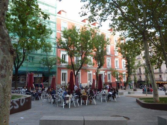 Cerveceria 100 Montaditos: Plaza de Santa Barbara