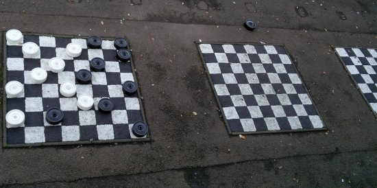 Union Terrace Gardens: Play draughts with the smell of urine all around