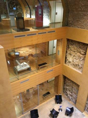 Musée d'Histoire de la Ville: The old with the new.....