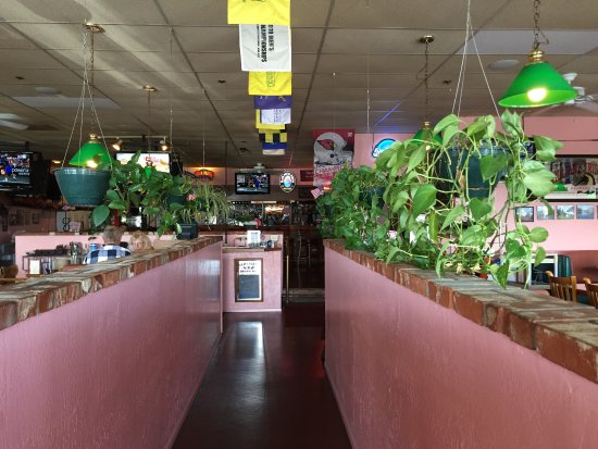 Fatso's Pizza: Fun ambiance with pool tables