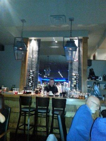 The Raven Bistro : bar
