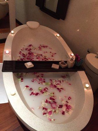 Four Seasons Resort Koh Samui Thailand: Complimentary milk bath