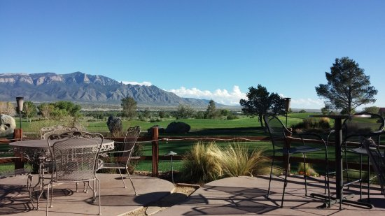 Hyatt Regency Tamaya Resort & Spa: mtn view from the patio