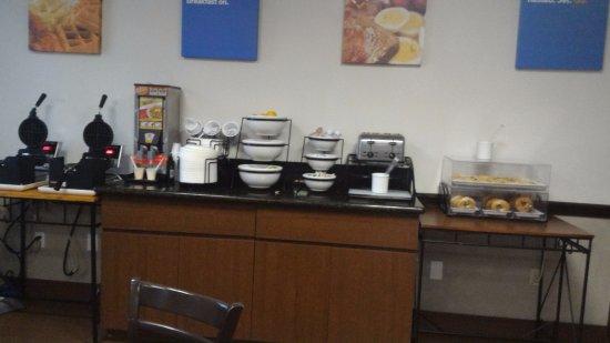 Comfort Inn: área do café da manhã