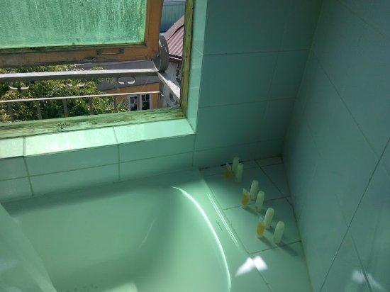 Rc deco art hotel boutique bañera con ventanal
