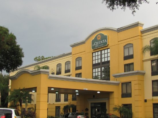 La Quinta Inn & Suites Tampa North I-75: Front of hotel