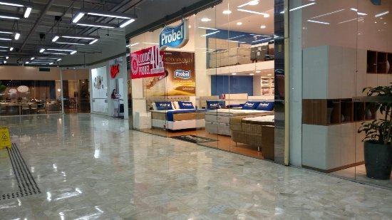 95841f068 Shopping Lar Center - Picture of Lar Center