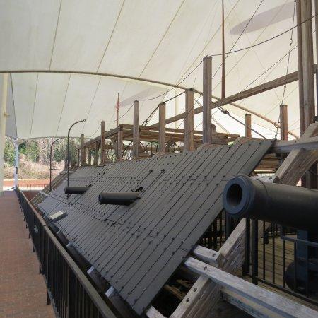 Vicksburg, MS: Guns and siding of the Cairo