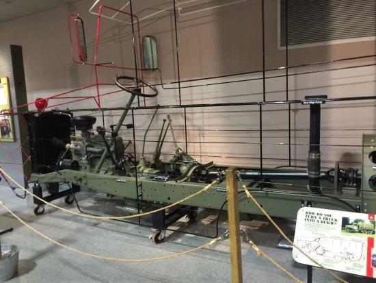 Wolfeboro, นิวแฮมป์เชียร์: the guts of the amphibious landing craft