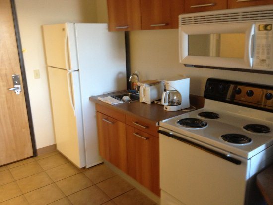 Pinedale, WY: kitchenette