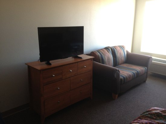 Pinedale, WY: flat screen TV and couch