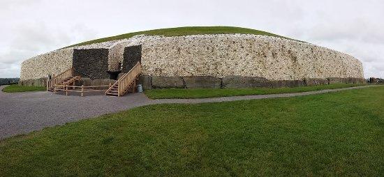 Donore, Irlanda: Newgrange site