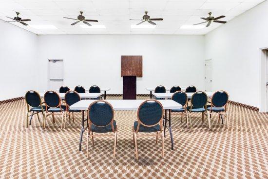 Athens, AL: Banquet Hall